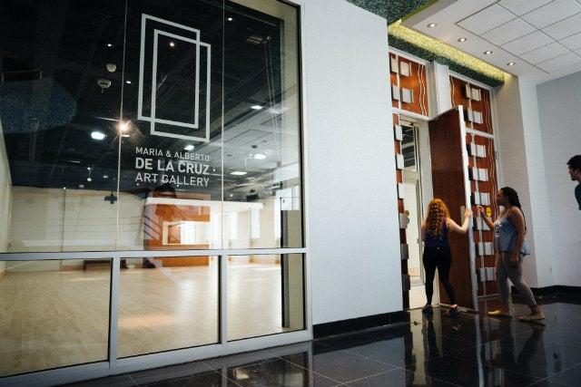 Main entrance of the De La Cruz Gallery